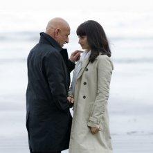 Una romantica scena in riva al mare con Ben Kingsley e Penélope Cruz, protagonisti di Elegy