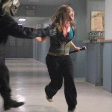 Danielle Savre scappa dall'uomo nero in una scena del film Boogeyman 2