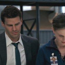 David Boreanaz ed Emily Deschanel nella serie tv 'Bones', nell' episodio 'Devozione cieca'