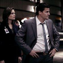 Emily Deschanel e David Boreanaz nell'episodio 'Mal di Spazio' della serie tv 'Bones'