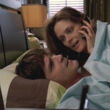 Emily Deschanel e Eddie McClintock nell'episodio 'Delitto per delitto' nella serie tv 'Bones'