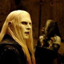 Luke Goss nei panni del principe Nuada in una sequenza di Hellboy 2