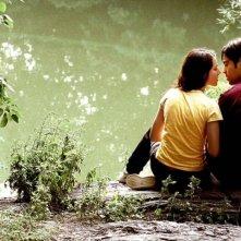 Olivia Thirlby e Josh Peck in una romantica scena del film The Wackness