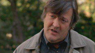 Stephen Fry nel ruolo del Dott. Wyatt nella serie 'Bones', episodio: Pausa di primavera