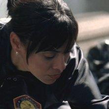 Tamara Taylor nel ruolo di Camille nella serie 'Bones', nell'episodio dal titolo: Rosa di Romeo e Giulietta