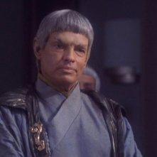 Gary Graham nel ruolo dell'Ambasciatore Soval nella serie tv 'Enterprise', episodio: Le ombre di P'Jem