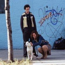 Kevin Sussman in una scena della commedia Io, lei e Babydog