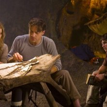 Anita Briem, Brendan Fraser e Josh Hutcherson in una sequenza del film Journey to the Center of the Earth 3D