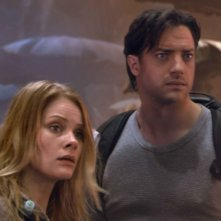 Anita Briem e Brendan Fraser in una scena del film Journey to the Center of the Earth 3D