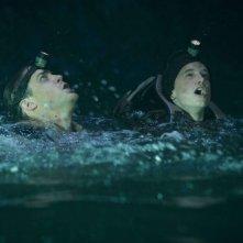 Brendan Fraser e Josh Hutcherson in una scena dell'avventuroso Journey to the Center of the Earth 3D