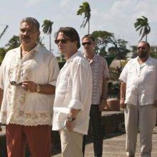 Joaquin Cosio, Mathieu Amalric, Anatole Taubman e Jesus Ochoa in una sequenza del film Quantum of Solace