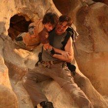 Josh Hutcherson e Brendan Fraser in una scena del film d'avventura Journey to the Center of the Earth 3D