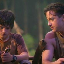 Josh Hutcherson e Brendan Fraser in una scena del film Journey to the Center of the Earth 3D