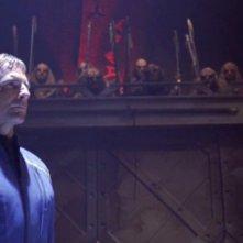 Archer, interpretato da Scott Bakula, affronta un tribunale klingon nella serie 'Enterprise', episodio: Il processo