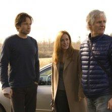 David Duchovny, Gillian Anderson e il regista Chris Carter sul set di X-Files: Voglio crederci