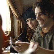 Kate Mara ed Eduardo Noriega in una scena di Transsiberian