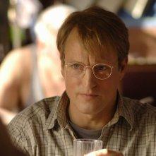 Un primo piano di Woody Harrelson, protagonista di Transsiberian