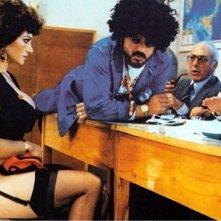 Una sexy Carmen Russo in Mia moglie torna a scuola