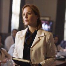Gillian Anderson in una sequenza di X-Files: Voglio crederci