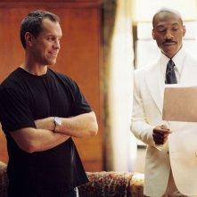 Il regista Brian Robbins ed Eddie Murphy sul set di Piacere Dave