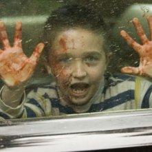 Noah Maschan in una scena dell'horror The Tripper