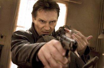 Liam Neeson in una scena del film Io vi troverò