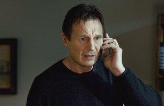 Liam Neeson in una sequenza di Io vi troverò