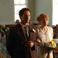 Cole Hauser e Christine Horne in una scena di The Stone Angel