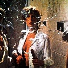 Jamie Lee Curtis in una sequenza del film Non entrate in quella casa