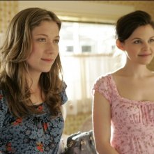 Branka Katic e Ginnifer Goodwin in una scena di Big Love
