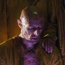 Lambert Wilson in una scena del film Dante 01 diretto da Marc Caro