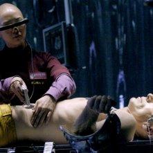 Linh Dan Pham e Lambert Wilson in una scena di Dante 01