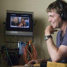 Il regista Nicholas Stoller sul set di Forgetting Sarah Marshall