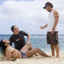 Russell Brand, Jason Segel e Paul Rudd in una sequenza  di Forgetting Sarah Marshall