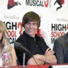 Ashley Tisdale, Zac Efron e il regista Kenny Ortega alla conferenza stampa del 2 maggio 2008 per l'inizio delle riprese di High School Musica 3: Senior Year