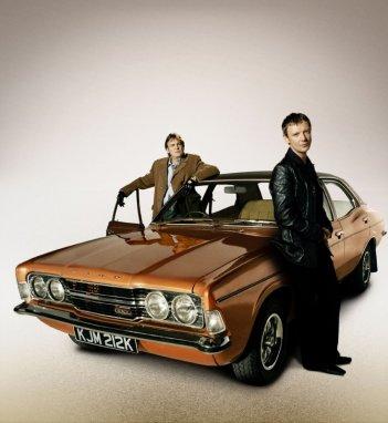John Simm e Philip Glenister in un'immagine promozionale di Life on Mars