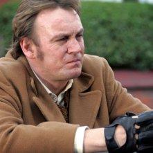 Philip Glenister in una scena dell'ottavo episodio di Life on Mars