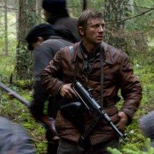Daniel Craig è Tuvia Bielski nel film Defiance