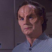 John Billingsley interpreta il Dottor Phlox nella serie tv Enteprise, episodio: Il recupero