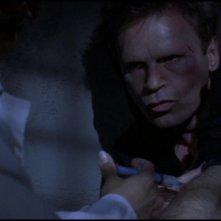 Richard Dean Anderson in una scena dell'episodio 'La luce della civiltà' della serie tv Stargate SG-1