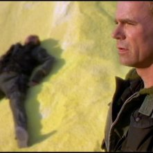 Richard Dean Anderson nel ruolo del Colonnello Jack O'Neill nella serie tv Stargate SG-1, episodio: Clonazione