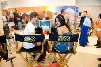 Zac Efron e Vanessa Anne Hudgens sul set di High School Musica 3: Senior Year