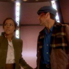 Golden Brooks è Alicia Travers, mentre Scott Bakula veste i panni del Capitano Archer nella serie tv Enterprise, episodio: Nuovo fronte temporale - prima parte