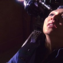 Hoshi, interpretata da Linda Park, sta per essere torturata dagli Xindi nell'episodio 'Conto alla rovescia' della terza stagione di Enterprise