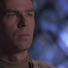 JR Bourne nel ruolo di Martouf, l'ospite umano del Tok'ra Lantash, nell'episodio 'Simbiosi (parte 1) della serie Stargate SG-1