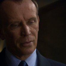 Peter Weller nel ruolo di John Paxton, leader dei Terra Prime una fazione xenofoba di terroristi nell'episodio 'Demoni' della serie tv Enterprise