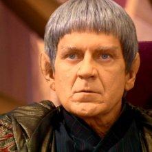 Robert Foxworth nei panni di V'Las, il capo dell'Alto Consiglio Vulcaniano nella serie tv Enterprise, episodio: Risvegli