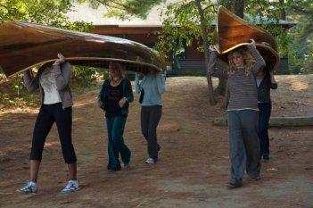 Bette Midler e Meg Ryan in una scena del film The Women