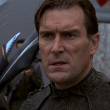 Daryl Shuttleworth nel ruolo del Comandante Rigar, un uomo implacabile, in una scena dell'episodio 'Nuova terra'  della serie tv Stargate SG-1
