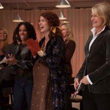 Jada Pinkett Smith, Debra Messing e Candice Bergen in una scena del film The Women
